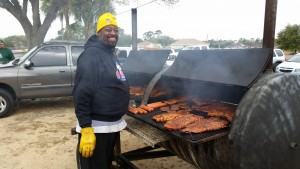 02-28-2015 OCCU Member Rod Wrightgrills ribs @ Right Way Little League 2
