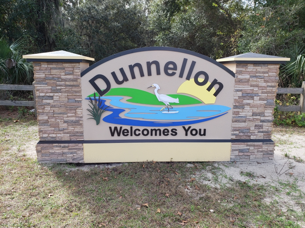 Dunnellon Sign